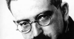 Walter Benjamin: technological development and democratising art